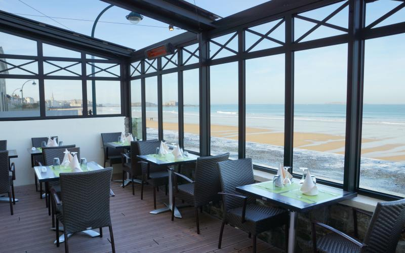 132-terrasse-hotel-saint-malo-800x500-1.jpg