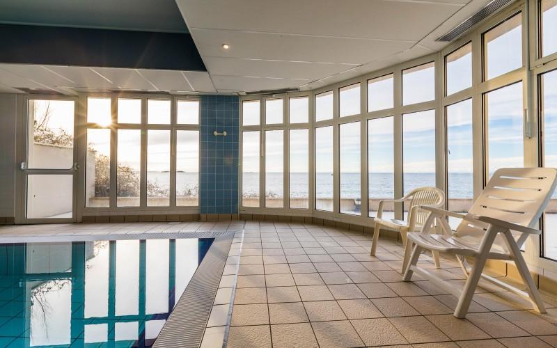 369-piscine-vue-mer-800x500-1.jpg