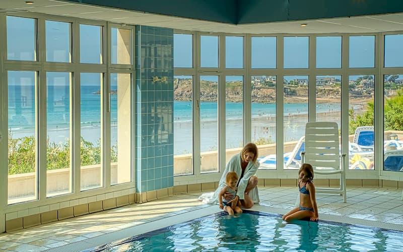 piscine-vue-mer-saintmalo.jpg